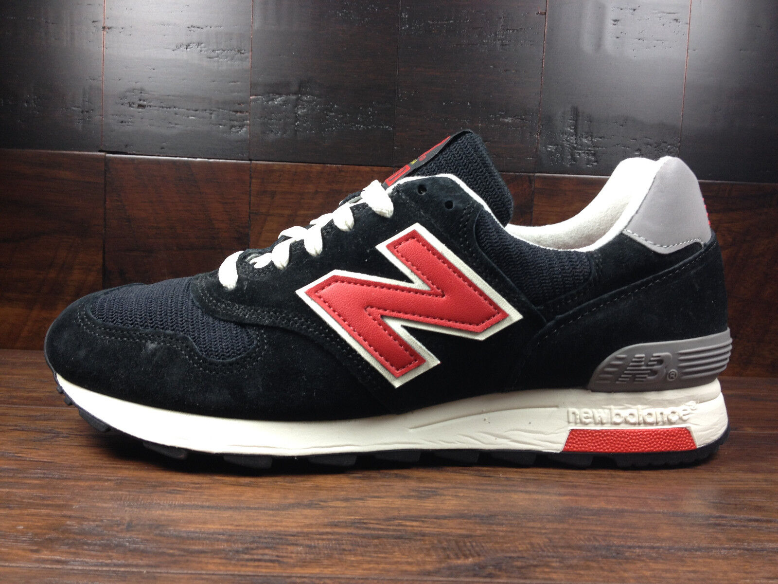 New Balance M1400HB -USA 1400 Connoisseur CATCHER IN THE RYE (Black / Red) MENS