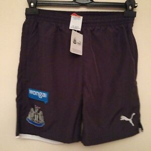 PUMA NEWCASTLE UNITED JUNIOR LEISURE SHORTS ZIP POCKET EBONY 1012 Years - <span itemprop=availableAtOrFrom>peterborough, Cambridgeshire, United Kingdom</span> - Returns accepted Most purchases from business sellers are protected by the Consumer Contract Regulations 2013 which give you the right to cancel the purchase within 1 - peterborough, Cambridgeshire, United Kingdom