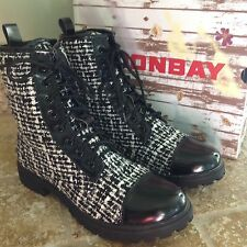 Unionbay Women's Edgard Black/White Lace up Ankle Combat Boots 8.5 M NEW!  CUTE!