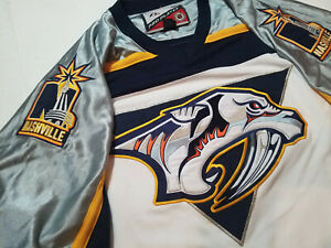 Nashville-Predators-Jersey-Mens-XL-Pro-Player-white-proplayer-extra-large-silver