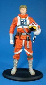 LUKE-SKYWALKER-PILOT-1-5-Scaled-Statue-from-Attakus-Bombyx-Darth-Vader-Yoda
