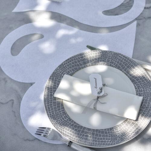Platzdeckchen Herz 50 Stk ca 38 cm flieder Tischdeckchen Platzmatte Tischmatten
