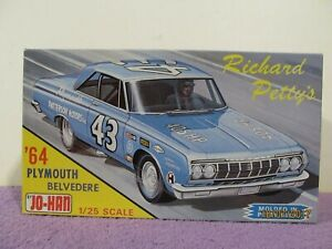 1964-Johan-Plymouth-Fury-Petty-Blue-Issue-Stock-Car-Vintage-Model-Mpc-Amt-Smp