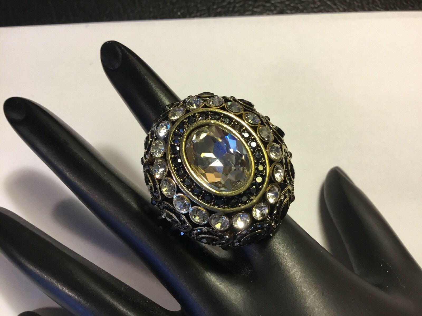 AUTHENTIC SIGHED HEIDI DAUS 8 EXQUISITE ELEGANCE SMOKEY & CLEAR CRYSTAL RING NR