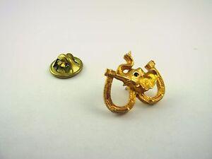Vintage-Pin-Double-Horseshoe-Elephant-Gold-Tone-Design