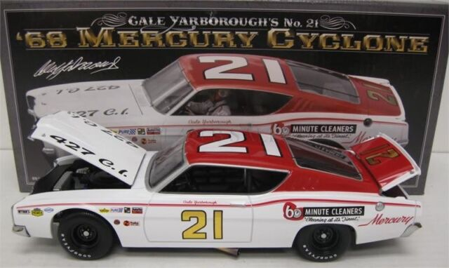 University of Racing 1968 Cale Yarborough #21 Mercury Cyclone 1/24