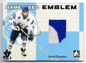 2006-07-ITG-GAME-USED-EMBLEM-DAVID-RUZICKA-PATCH-VAULT-1-1