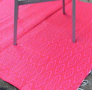 xl kunststoff outdoor teppich l ufer mit tollem muster pink rot 150x230cm ebay. Black Bedroom Furniture Sets. Home Design Ideas