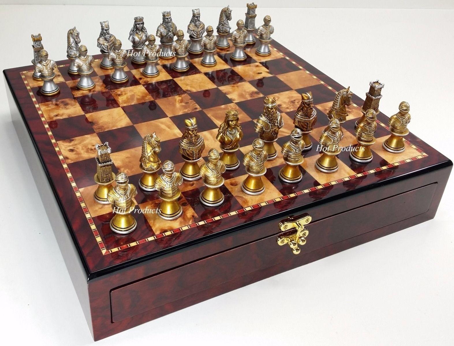 Moyen âge croisades bustes Argent Or Chess Set W cerise couleur de conservation Board