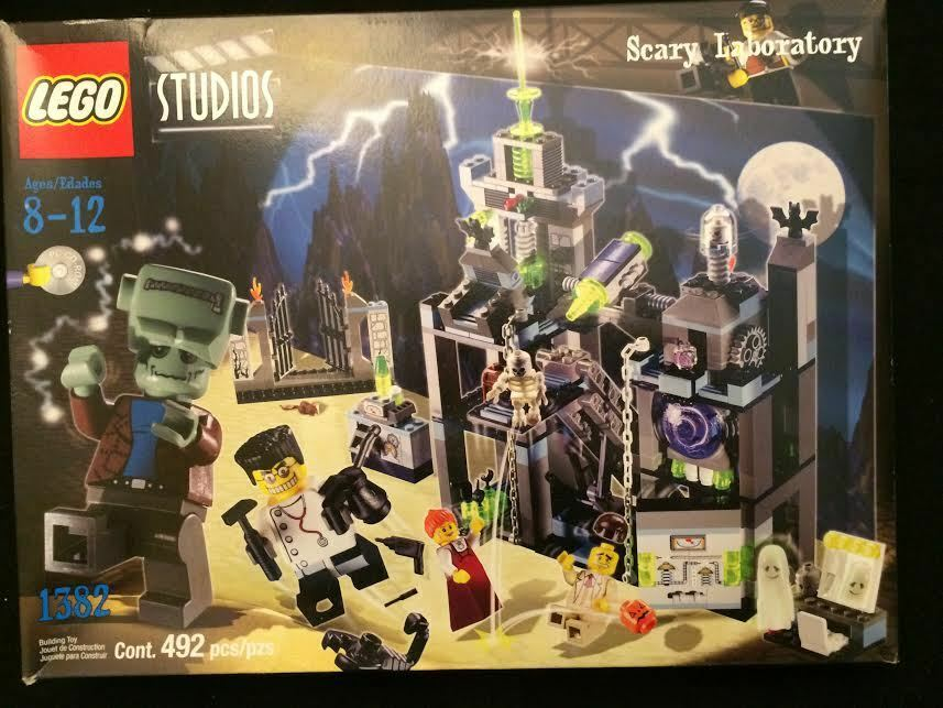 LEGO Studios Scary Laboratory -  1382 - 100% Complete w Instructions