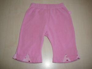 Tolle-leichte-Hose-Gr-62-rosa-an-den-Beinen-mit-kleinen-Herzchen