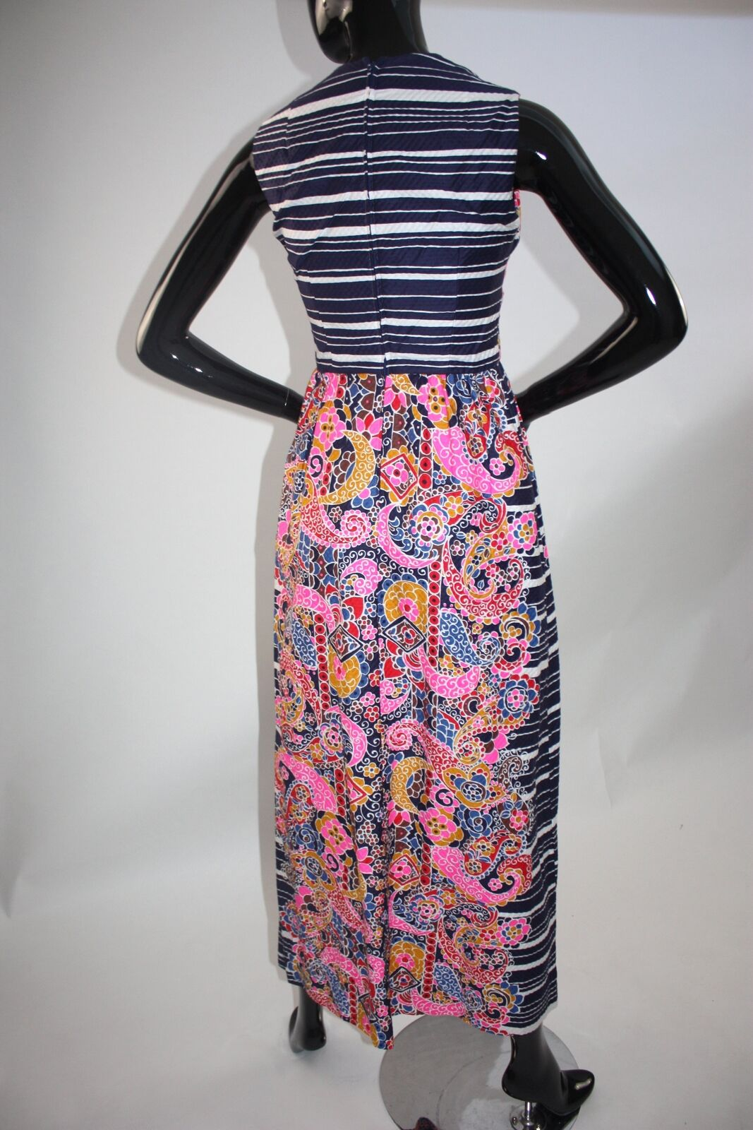 Vintage 1970s Psychedelic print maxi dress - image 2