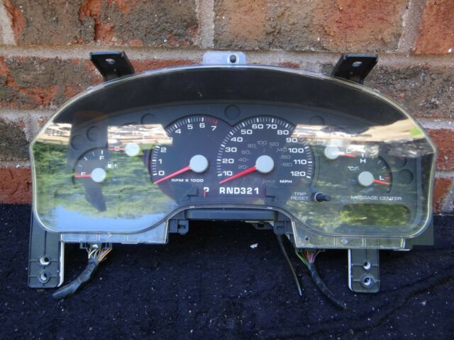 Cl1091  05 2005 Ford Explorer Speedometer Cluster 155k