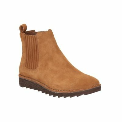 BNIB Clarks Ladies Olso Chelsea Tan Suede Flat Boots