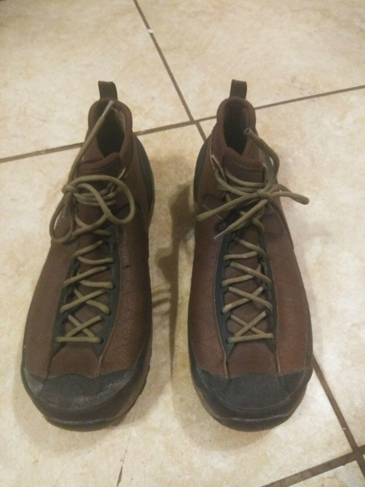 BOGS Jamis marrón de goma Tobillo botas Para Hombres Impermeable Marrón Con Cordones 12, Muy Buen Estado