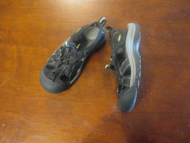 KEEN Newport H2 women's 5 1/2 Sandals Athletic canvas hiking EUR 35.5 Black