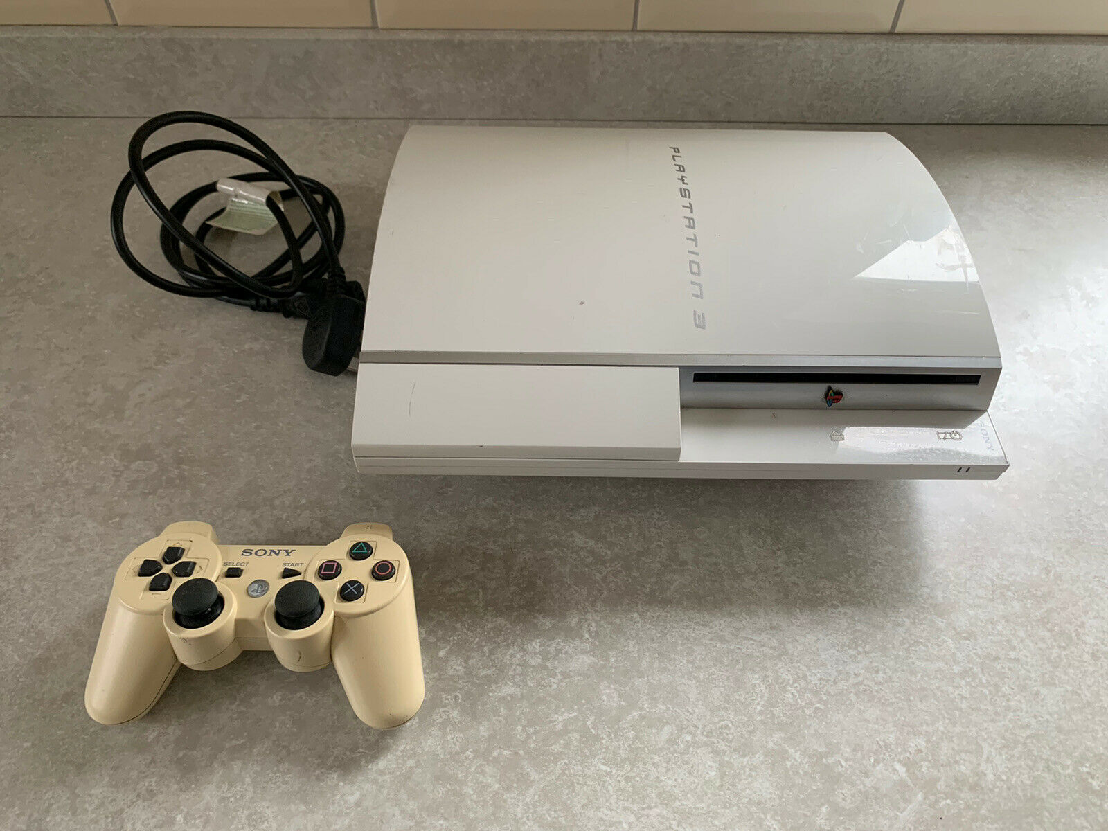 Sony PlayStation 3 PS3 White Console NTSC-J JAPANESE TESTED CECHG05