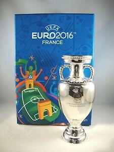 EM-Pokal-150mm-freistehend-UEFA-Euro-2016-tm-Cup-France-Vencedor-Portugal-trofeu