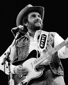 MERLE-HAGGARD-COUNTRY-MUSIC-LEGEND-8X10-PUBLICITY-PHOTO-AZ983