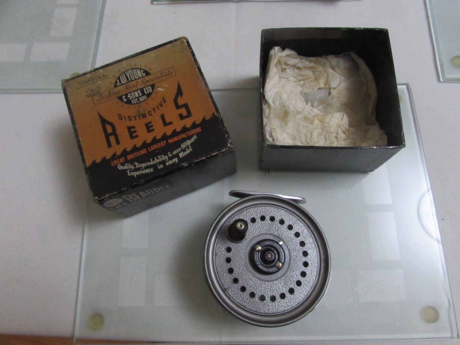 V buona VINTAGE Youngs presto beaudex Trossoa Fly Fishing Reel 3.5 lineguard & Box.