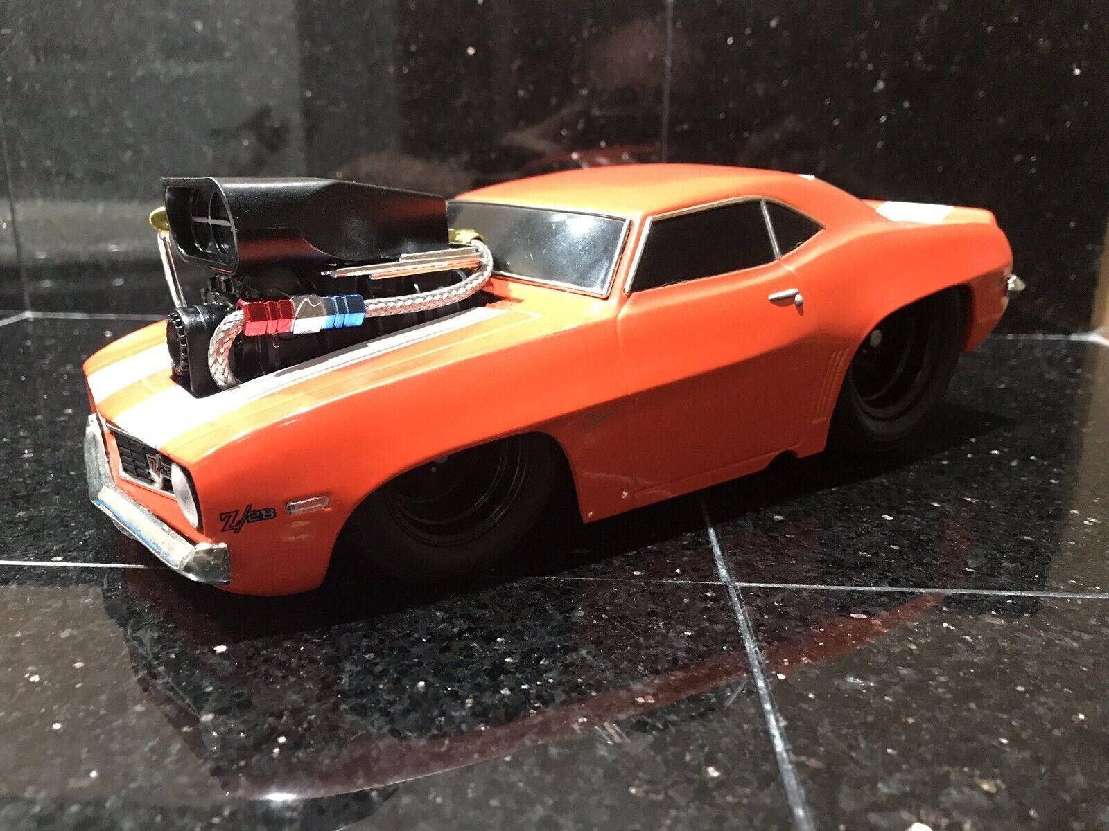 Máquinas musculares 1969 Camaro z   28 1  18, naranja personalizada, negro para rojoucir la resistencia a los vientos.