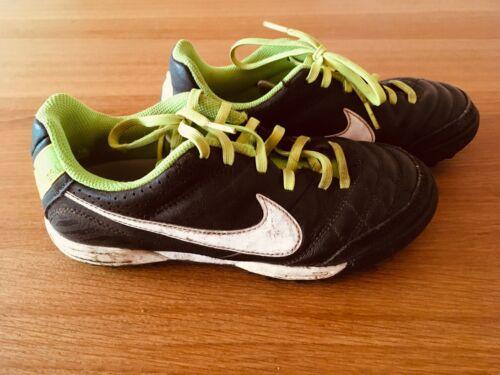 33,5 Nike Fussball Schuhe guter Zustand Gr