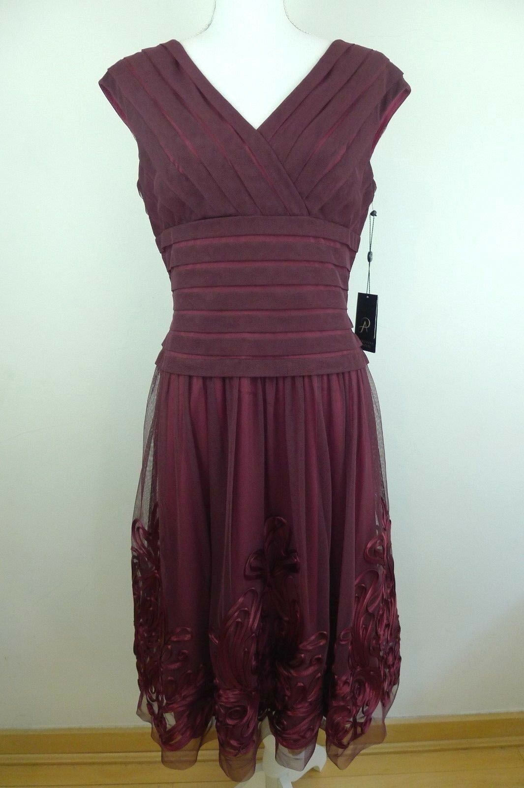 Adrianna Papell Women's Purple-Red Applique Dress Size 8