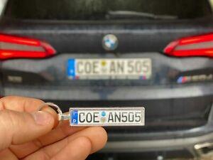 10-x-Schluesselanhaenger-KFZ-Autokennzeichen-fuer-VW-OPEL-MERCEDES-AUDI-BMW-SKODA