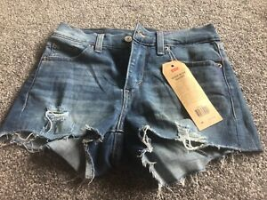 NEW-WITH-TAGS-LEVI-039-S-STRAUSS-HIGH-RISE-SHORT-CUT-OFF-DENIM-SHORTS-LADIES-24-034
