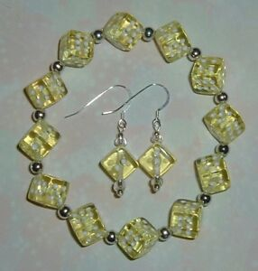 Yellow-Dice-Jewelry-Set-Bracelet-amp-Earrings-Bunco-Bunko-Casino-Party-Gamers