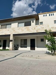 Casa en RENTA en CAPELLANIA RESIDENCIAL LEON GTO