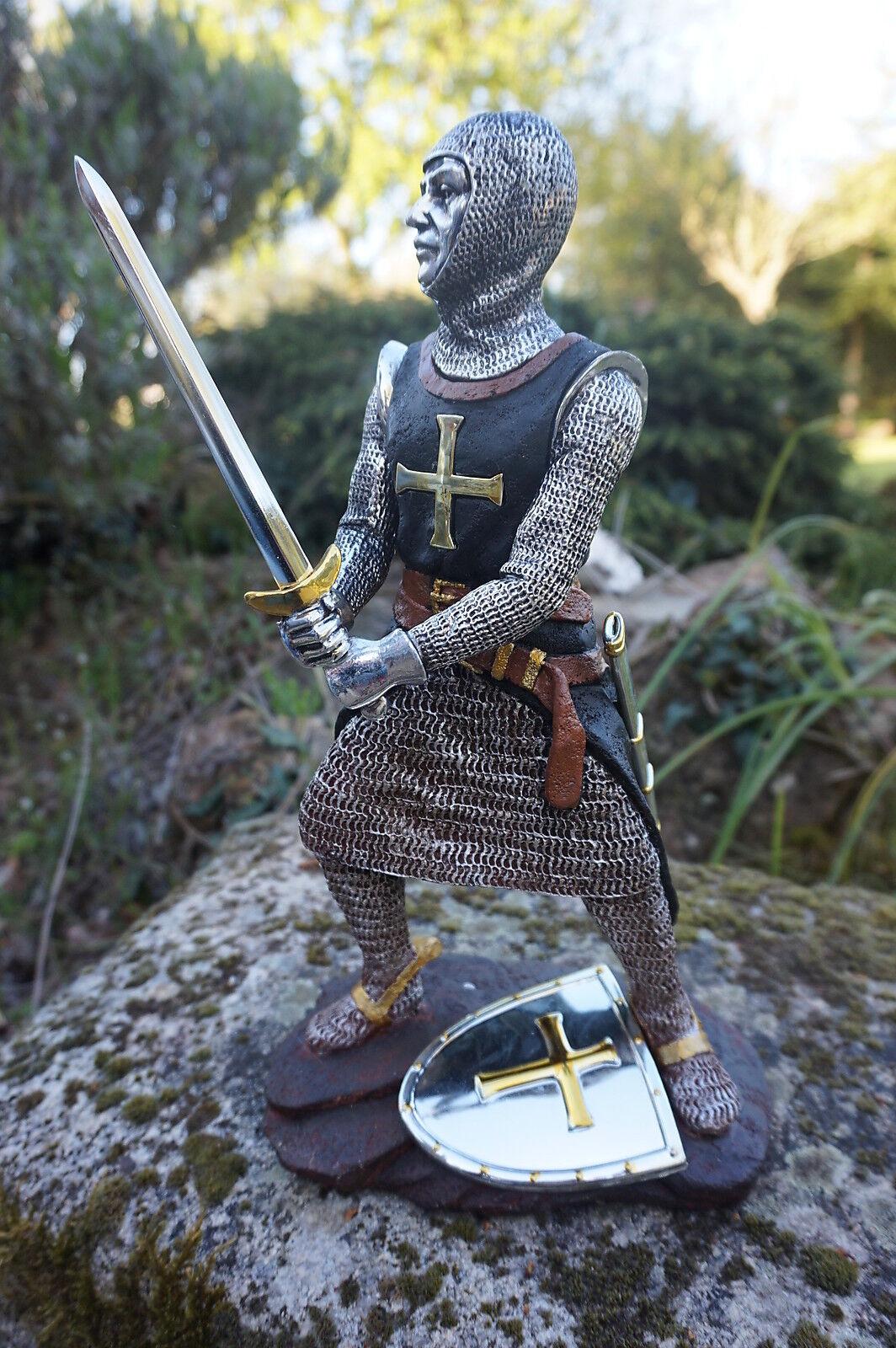 15110  B  FIGURINE  STATUETTE CHEVALIER  ARMURE CROISE TEMPLIER  MEDIEVAL
