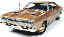 1969 Dodge Coronet R/T LIGHT BRONZE 1:18 Auto World 1024