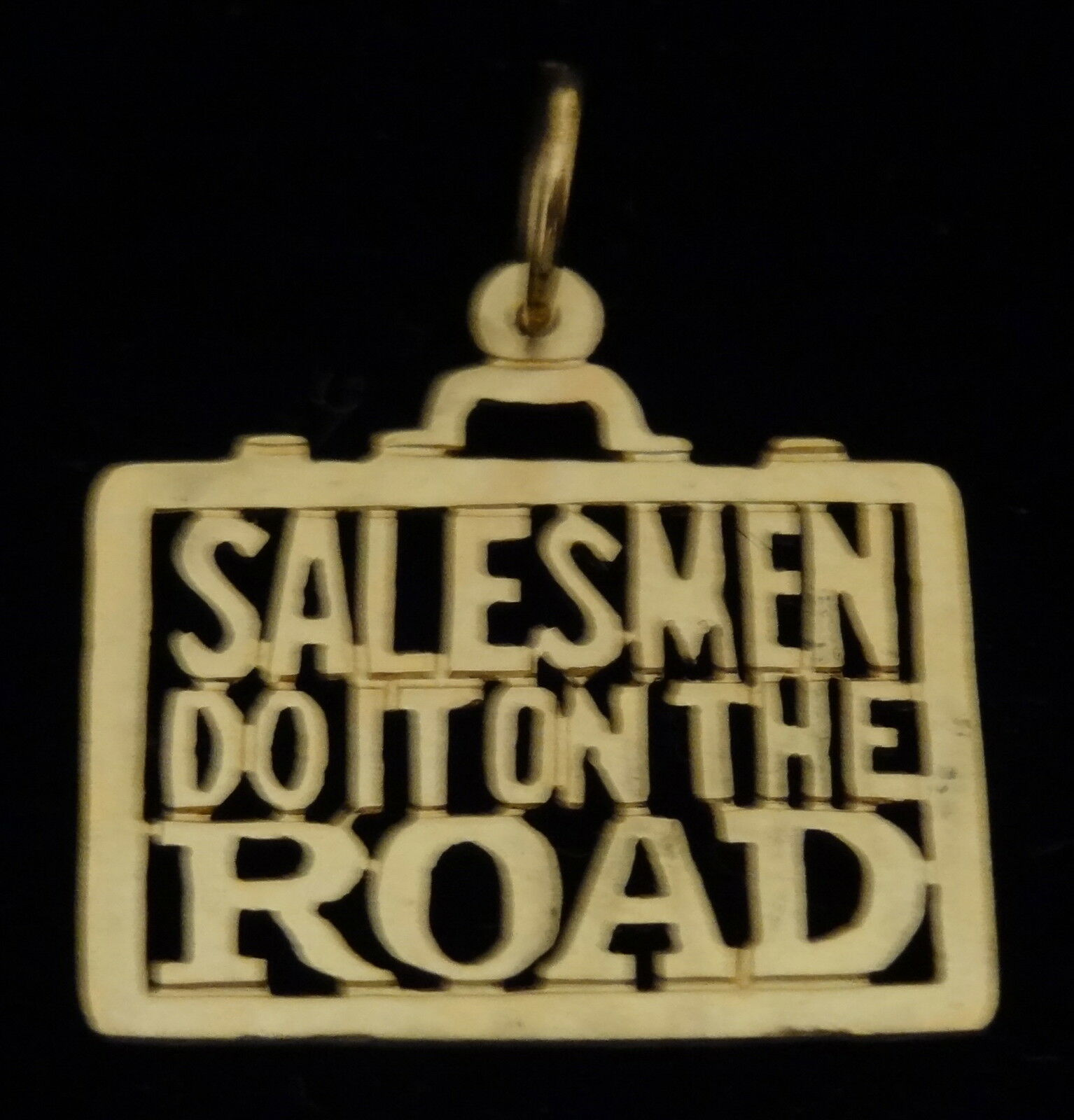 14Kt gold SALESMEN DO IT ON THE ROAD PENDANT CHARM NEW