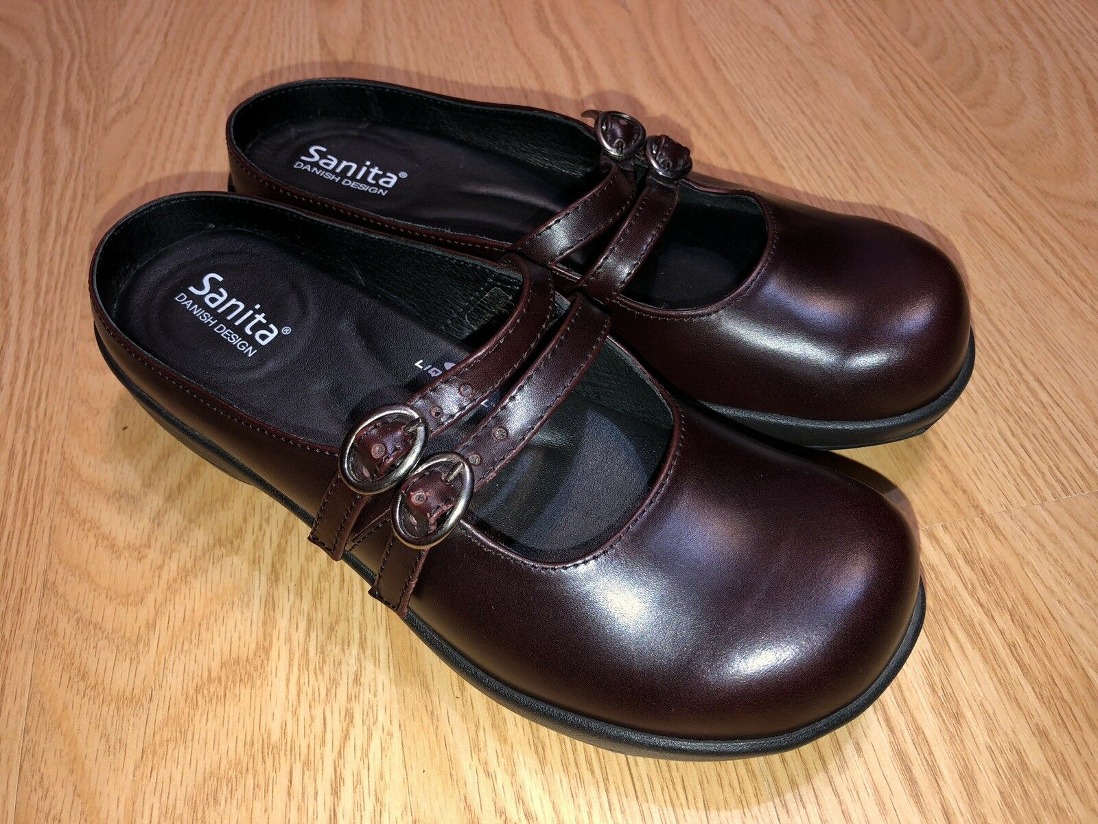 Women's Sanita adjustable Burgundy Leather Clogs Mules US 7.5 Sz Very Clean