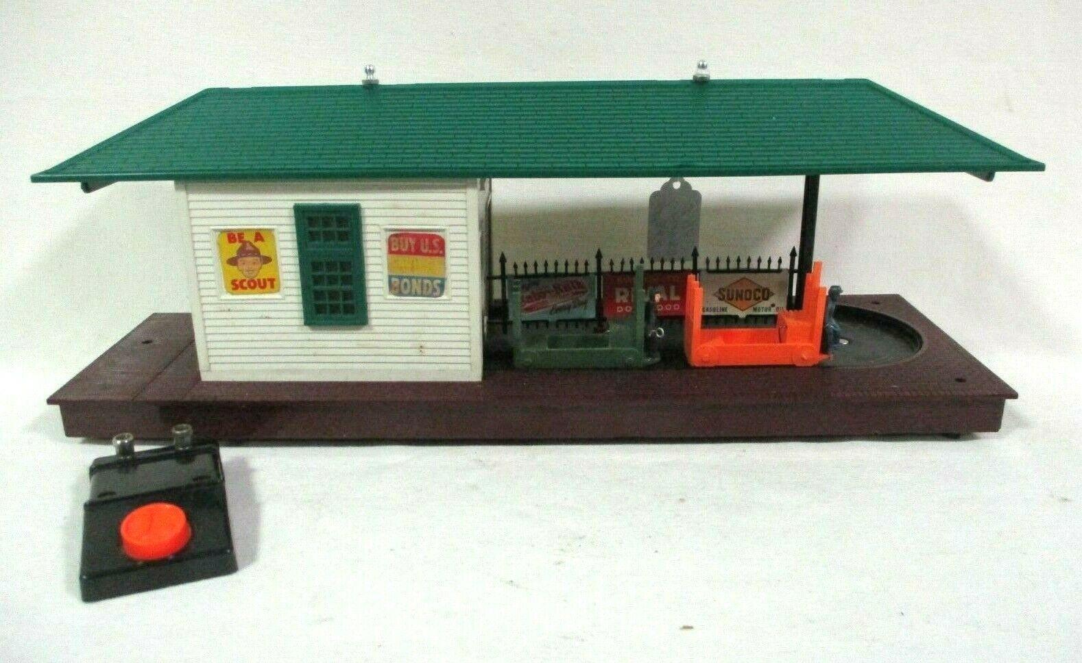 Lionel 356 Freight Station in Original Box w  Controller Model Railway Accessory