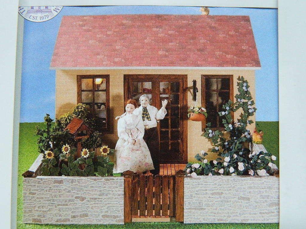 (A22) 1 12th scala casa delle bambole EMPORIUM  il giardino Pavillion KIT