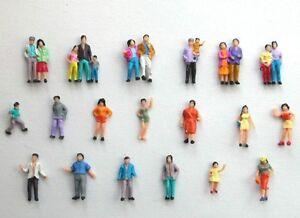 F4-a-H0-50-Figuren-Reisende-Passanten-Kinder-Paare-1-87