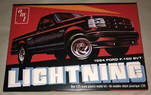 AMT-1994-Ford-F-150-Lightning-Pickup-Truck-1-25-Scale-Model-Kit-1110