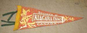 "Vintage NIAGARA FALLS CANADA 11.5"" 4-Tassel Pennant - Fall Maple Leaves Design"