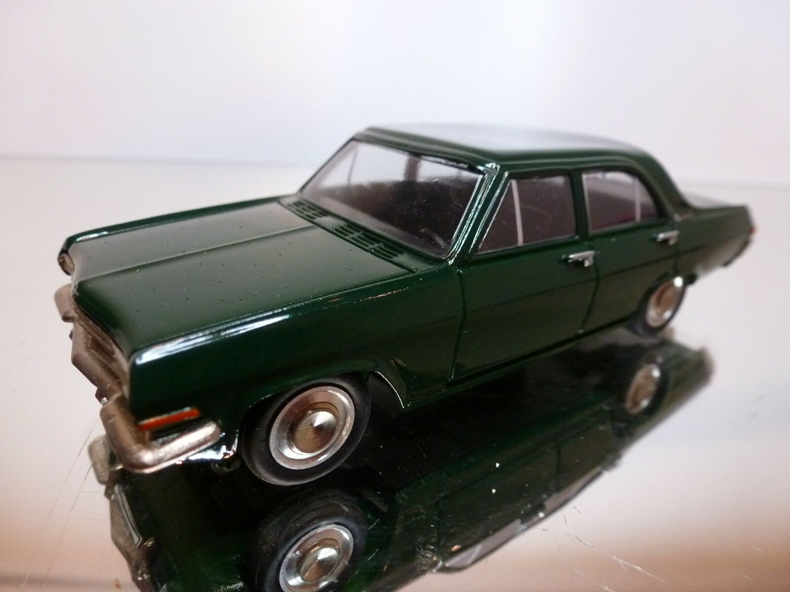 PARADCAR 1 43 - OPEL KAPITAIN 1964 NR= 60 - EXCELLENT CONDITION-9+6