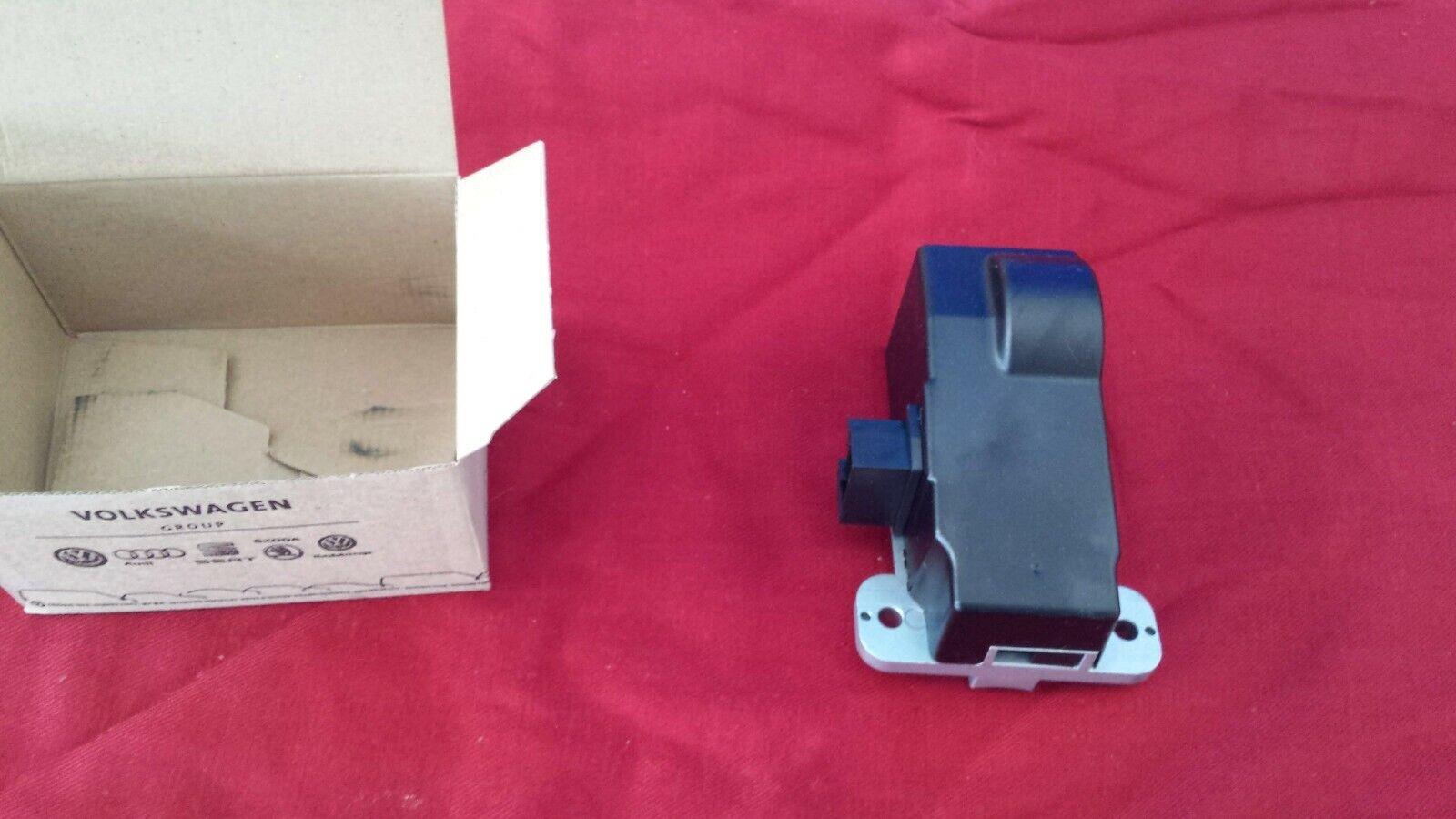 3C0905861J BRAND NEW 1 x Genuine VW Passat CC 3C B6 B7 Steering Column Lock