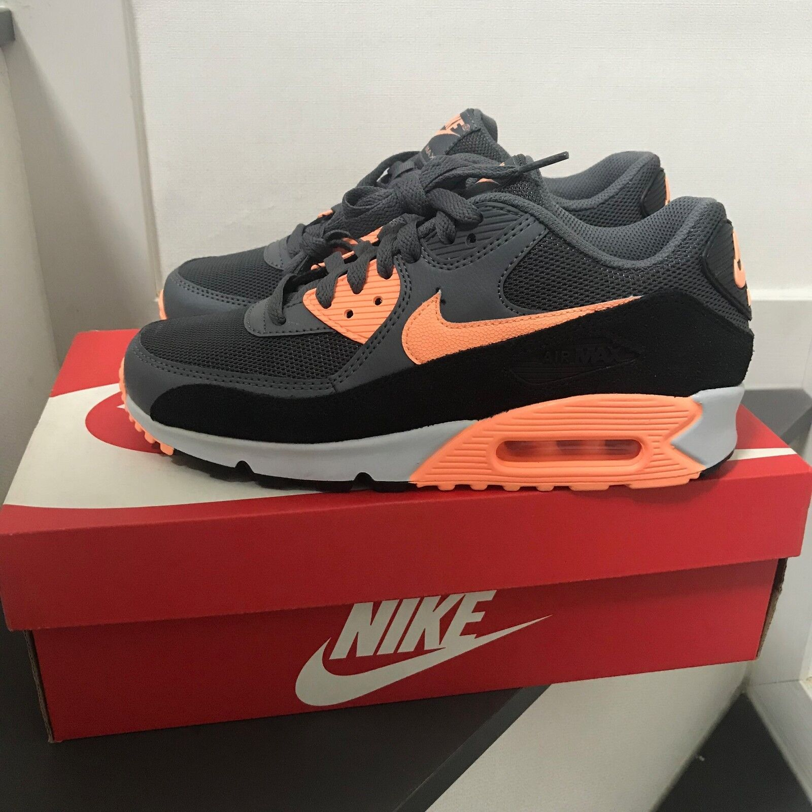 Nike AIR MAX 90 ESSENTIAL Sneakers shoes 631744-103 Women's Size 8.5