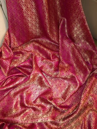 "3 MTR HOT PINK//GOLD BROCADE FABRIC...45/"" WIDE £11.99 SPECIAL OFFER NEW"
