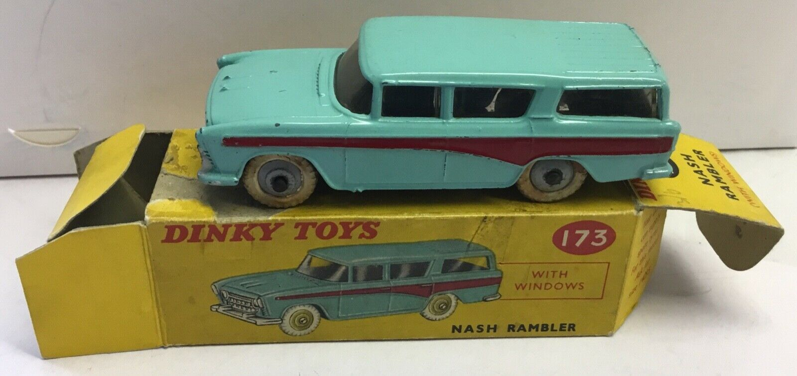 DINKY TOYS 173. NASH RAMBLER .EXCELLENT  IN ORIGINAL BOX WITH WEAR