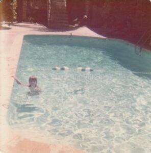 Pool-Kid-FOUND-PHOTOGRAPH-Color-FREE-SHIPPING-Original-Snapshot-VINTAGE-89-5-E