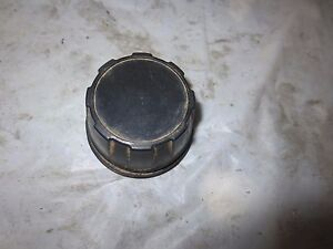 2005 Honda Recon 250 2wd ATV One Front Or Rear Wheel Hub Cap Cover (230/46)