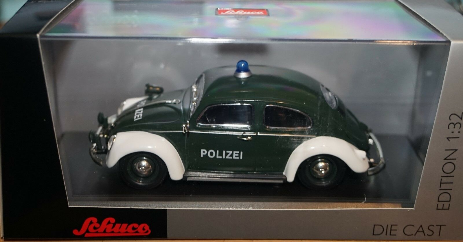 SCHUCO 077373 VOLKSWAGEN KAFER   BEETLE POLIZEI 1 32 scale model