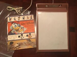VINTAGE-WALT-DISNEY-LAKESIDE-DRAWING-DESK-PORTFOLIO-SET-1961-Mickey-Mouse