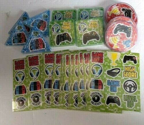 Gamer 12 x Maze Puzzle /& 12 Sheets of stickers party bag filler